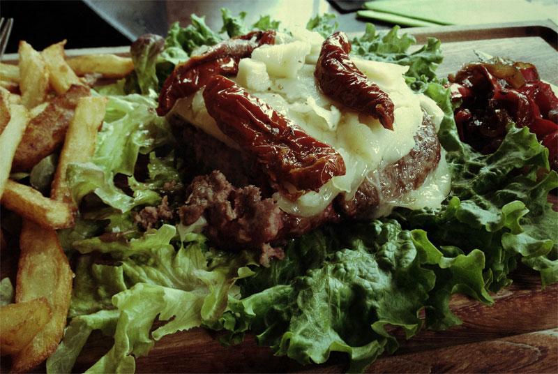 Hamburguesa de cebón de La Bohemia: restaurantes de Costa Teguise