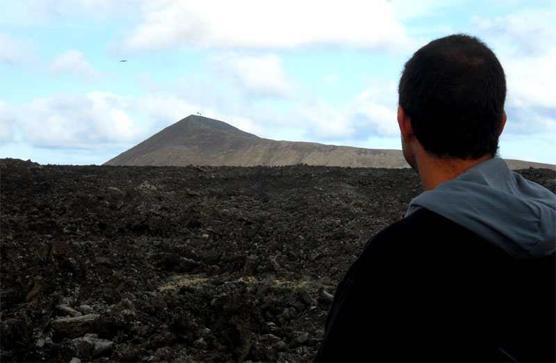 Balcón con vistas al manto de lava de Timanfaya, Centro de Visitantes e Interpretación de Mancha Blanca o Timanfaya