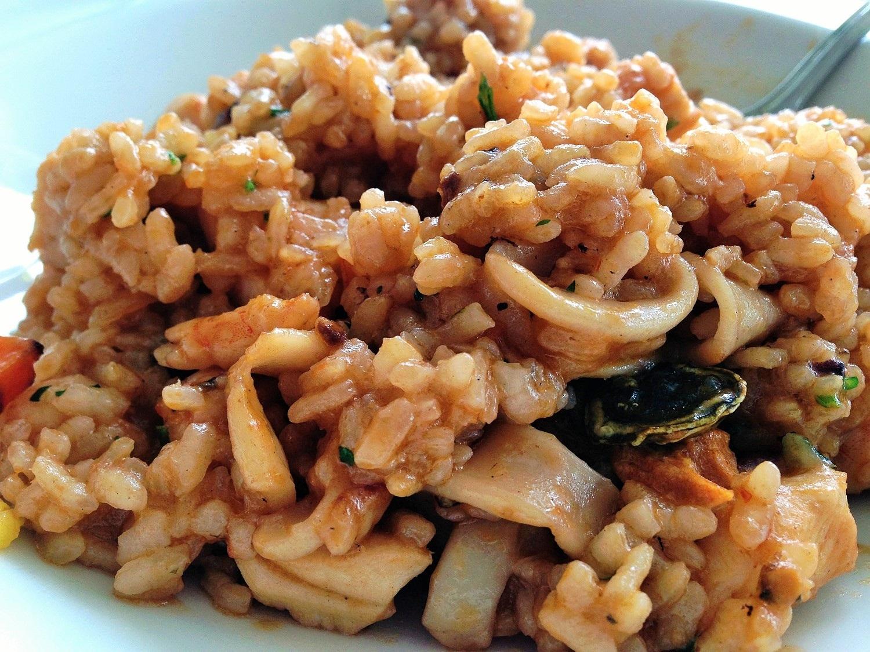 Arroz seco de chipirones, pulpo y lapas, del restaurante Mirador Las Salinas
