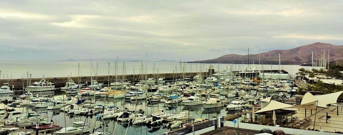 Puerto Calero al alba