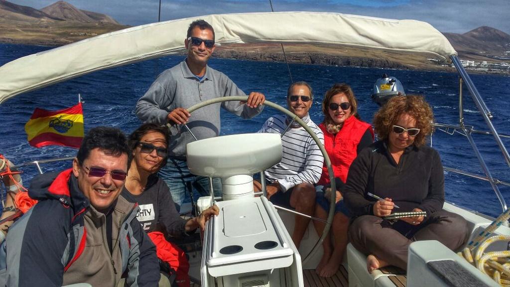 A vela a Papagayo, con Lanzarote a Vela, excursiones marítimas a su medida