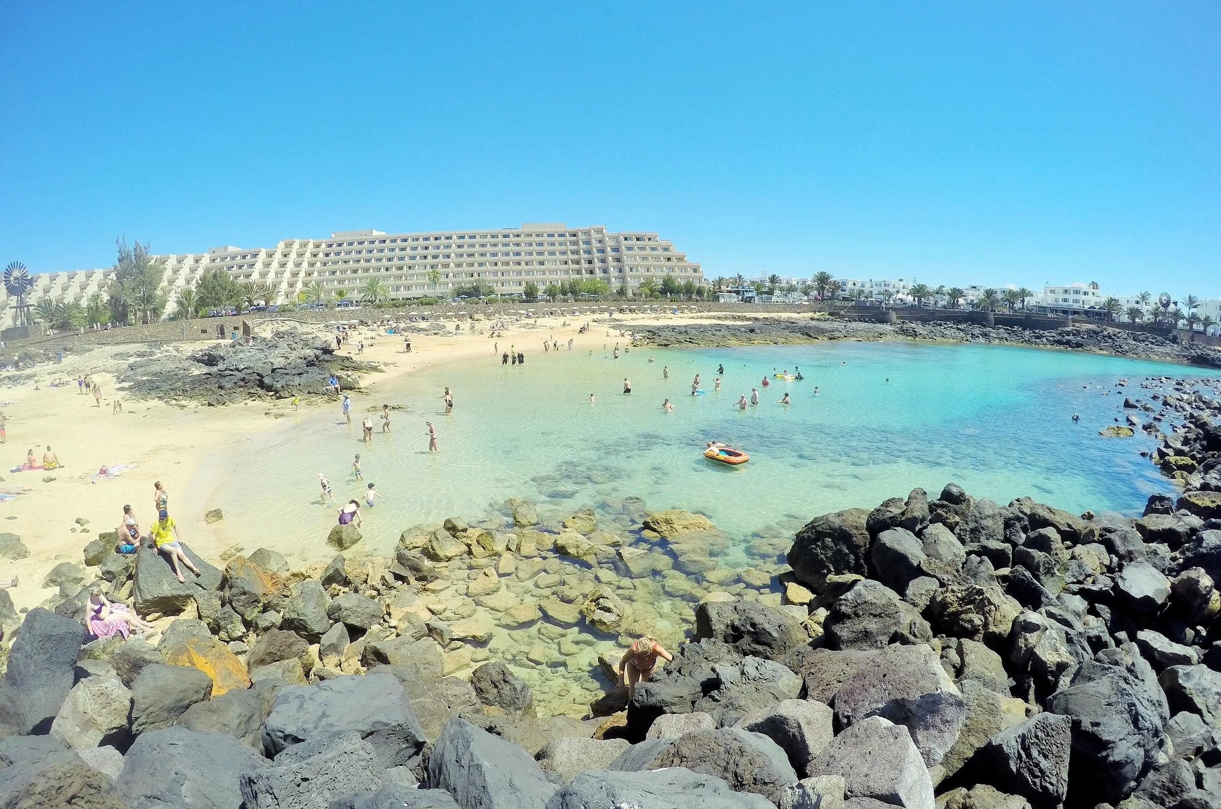 Playa del Jablillo, Costa Teguise, hoy 8 junio de 2016