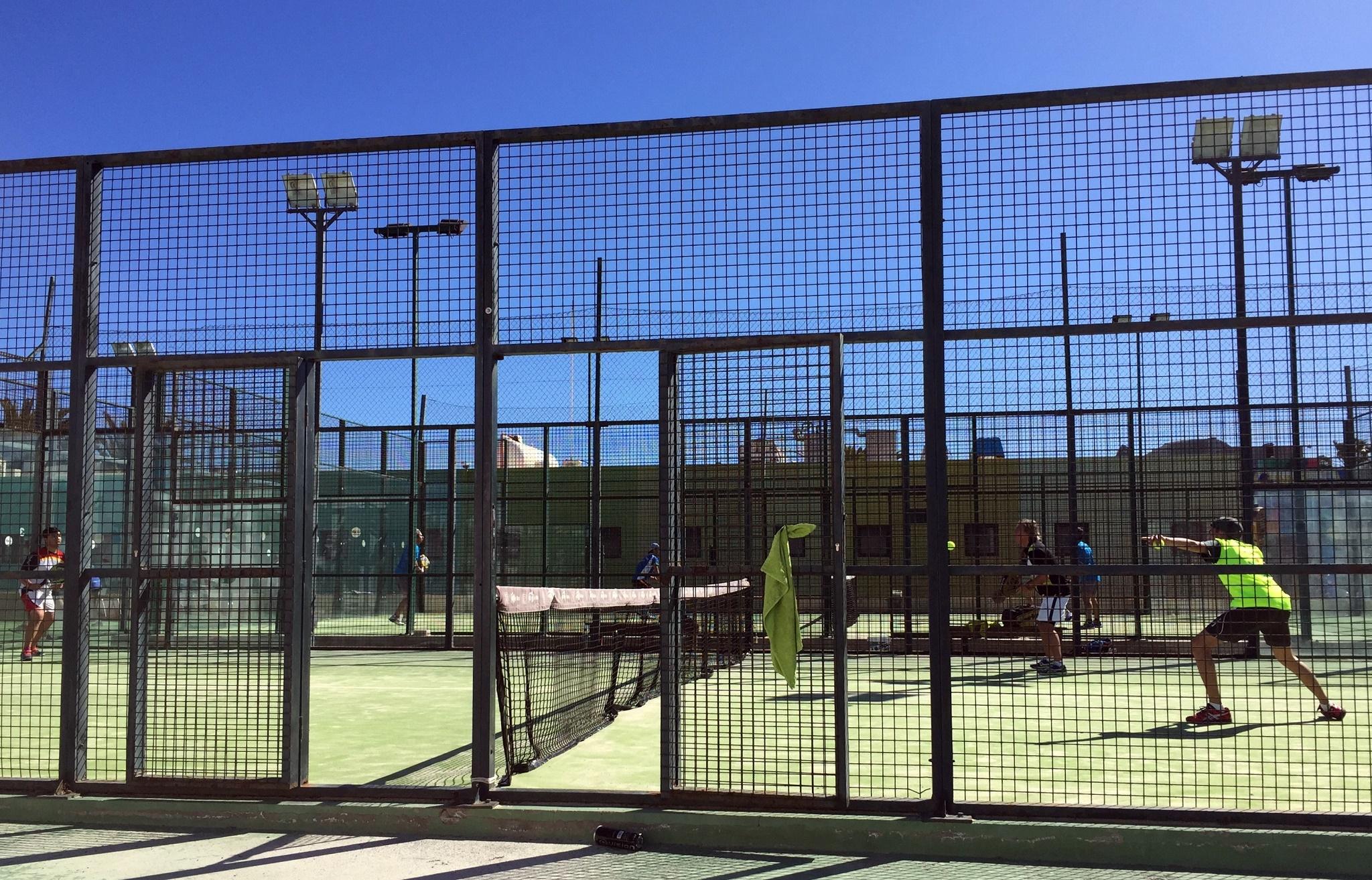 Pistas de pádel del Centro Deportivo Santa Rosa