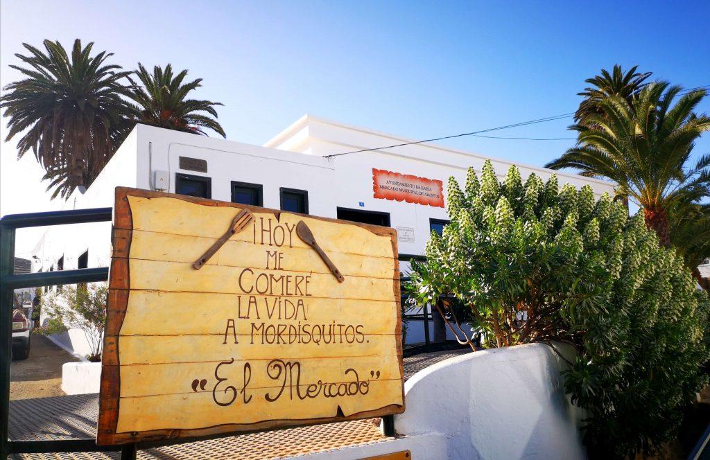 Mercado de Abastos de Haría. Comer en Haría. Cocina casera en Lanzarote. Experiencias de Lanzarote3.com.